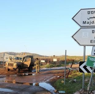 Militares israelenses sobre as Colinas de Golã (arquivo)