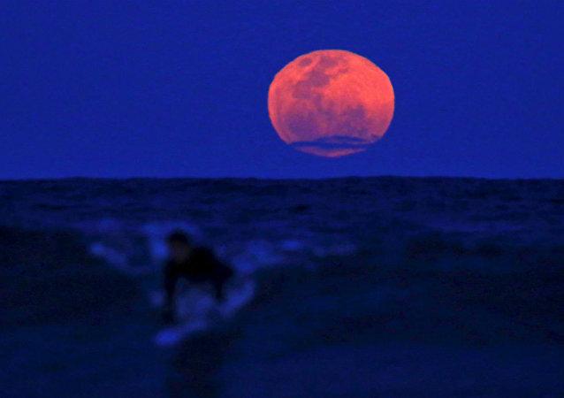 Lua de Sangue (imagem referencial)
