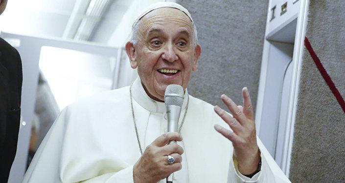 Papa Francisco pede orações pelo Brasil durante audiência no Vaticano