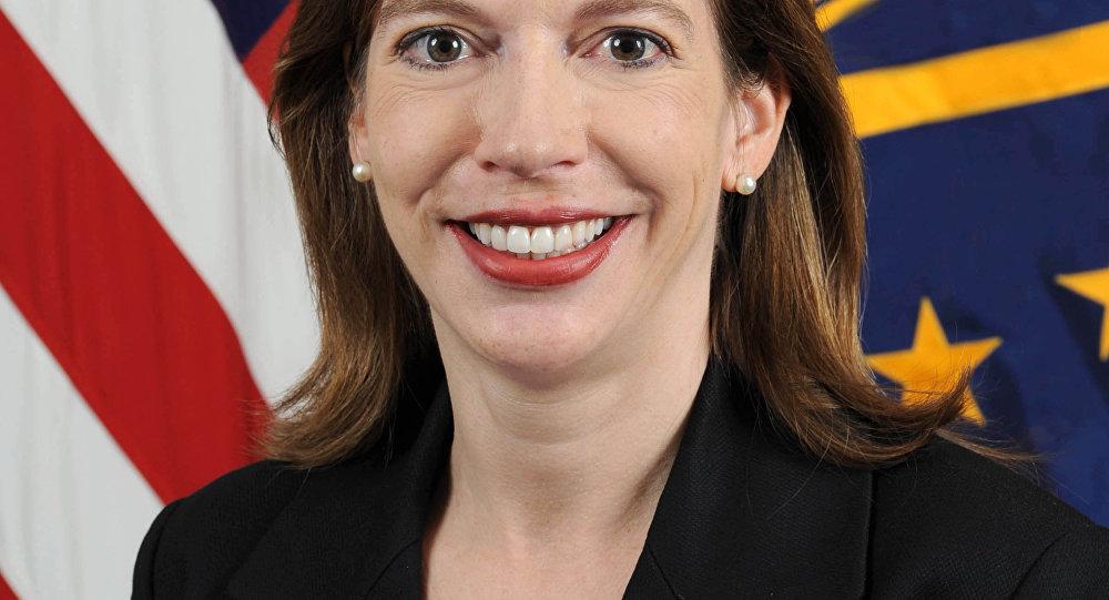 Evelyn Farkas a vice-secretária adjunta da Defesa para a Rússia, Ucrânia e Eurásia