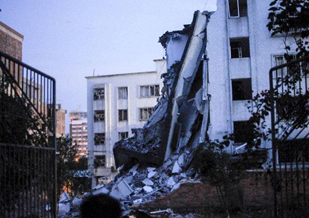 Prédio atingido por uma explosão em Liucheng.