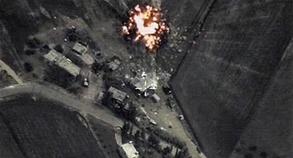 Rússia realiza golpes aéreos contra posições do Estado Islâmico na Síria
