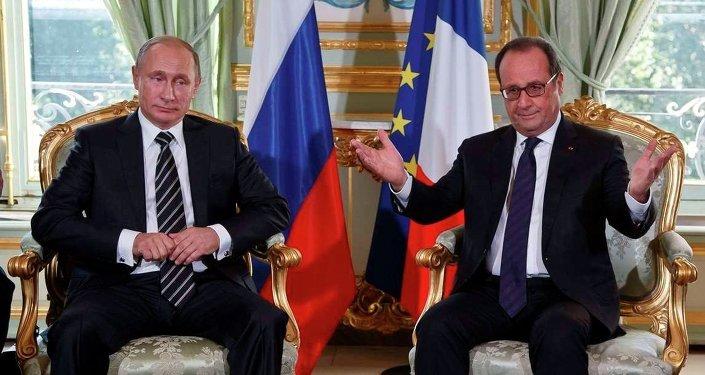 Presidente da Rússia Vladimir Putin e presidente da França François Hollande