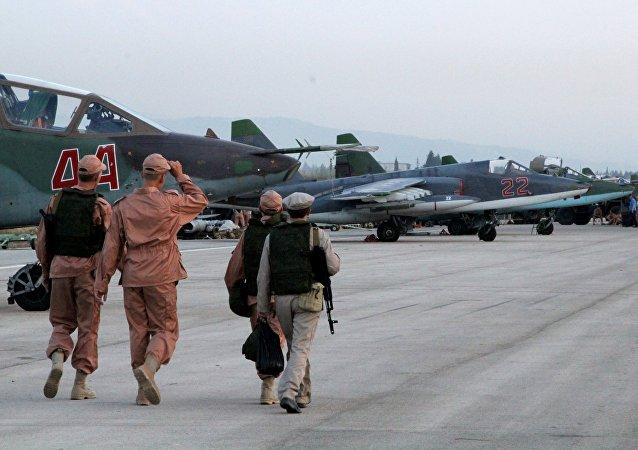 Caças russos em uma base aérea perto de Latakia