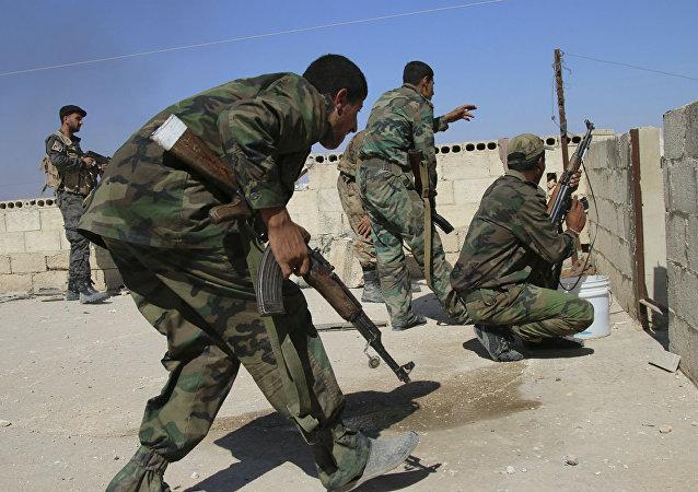 Exército sírio em ação contra os grupos terroristas.