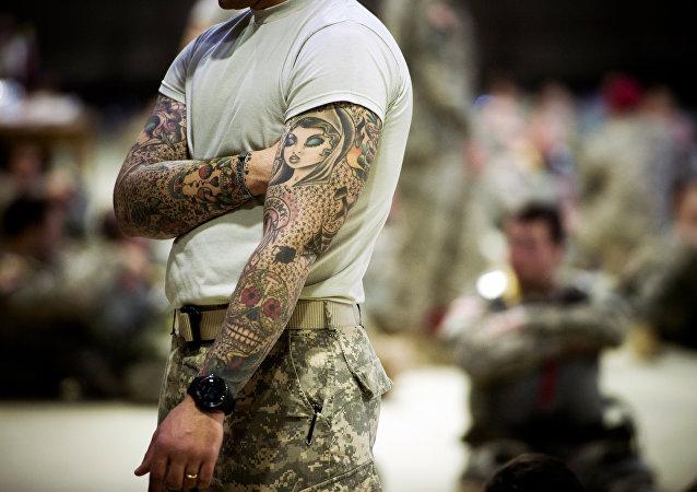 Um soldado da OTAN