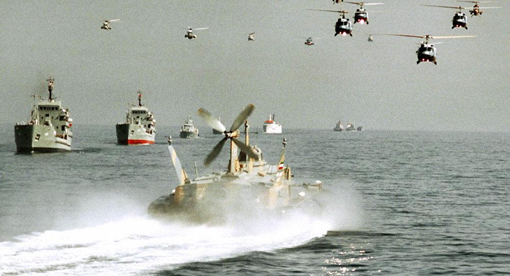 Irã faz manobras navais
