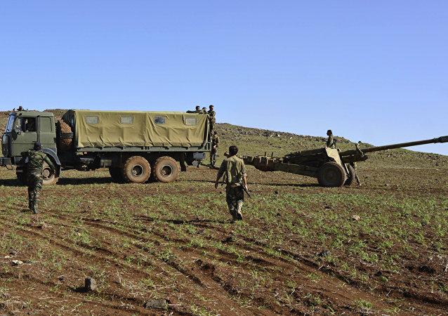 Soldados do exército sírio no monte Fátima, na província de Deraa, em março de 2015. Foto de arquivo