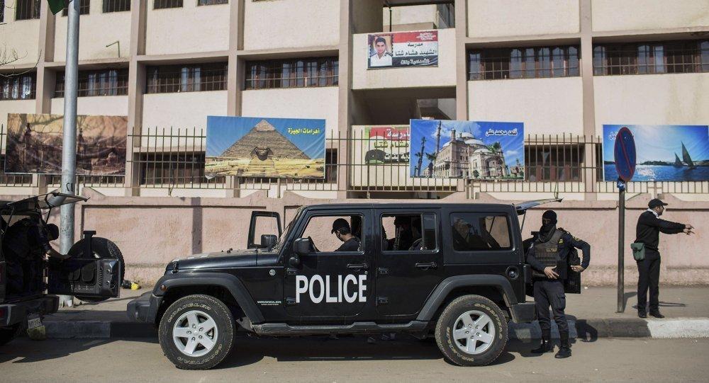Atentado em frente a delegacia mata duas pessoas no Egito