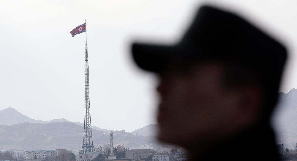 Coreia do Norte lança dois mísseis