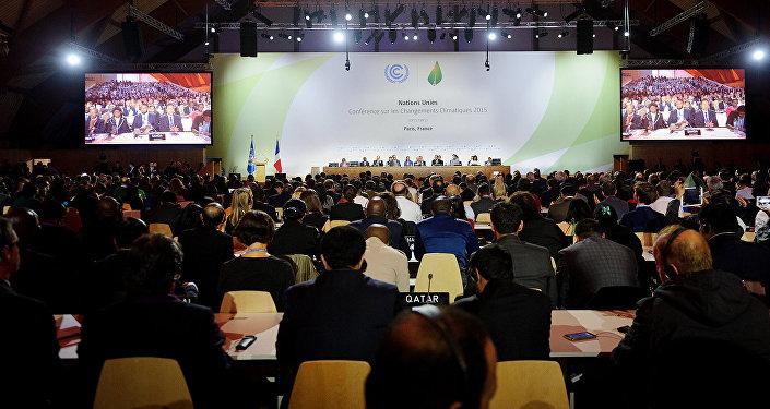 Texto final da COP 21 é apresentado aos delegados dos países.