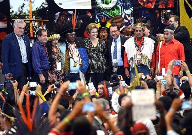 Dilma participa da 1ª Conferência de Política Indigenista