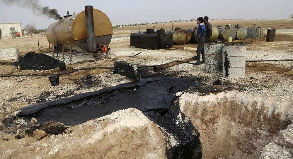 Refinaria de petróleo em Marchmarin, na Síria