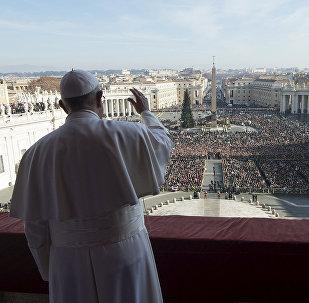 Papa Francisco transmite a mensagem natalina Urbi at Orbi.