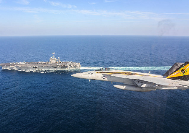 Porta-aviões americano USS Harry S. Truman no Golfo de Omã (imagem referencial)