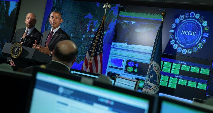Jeh Johnson, secretário de segurança doméstica, e Barack Obama, presidente dos Estados Unidos