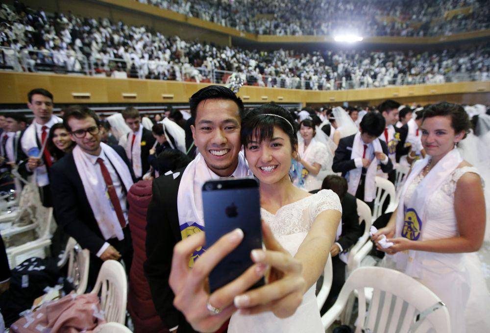 Coreia do Sul celebra quatro mil casamentos simultâneos