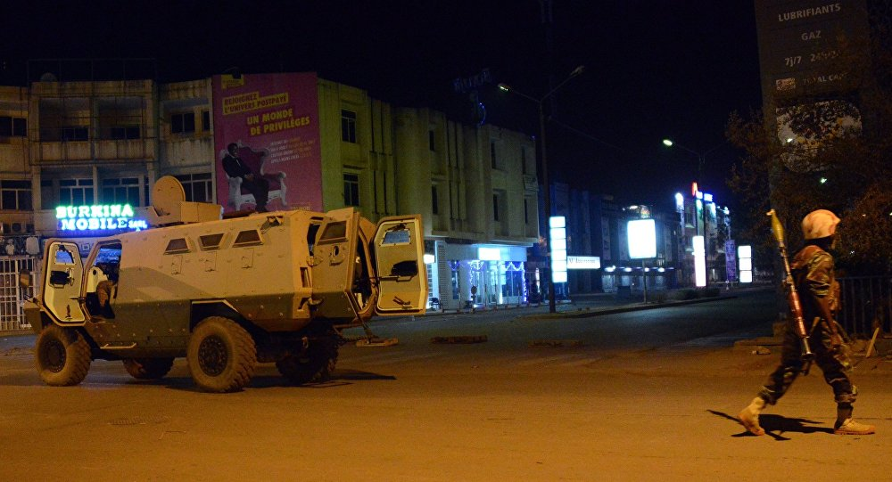 Exército de Burkina Faso patrulha as ruas da capital do país, Ouagadougou (arquivo)