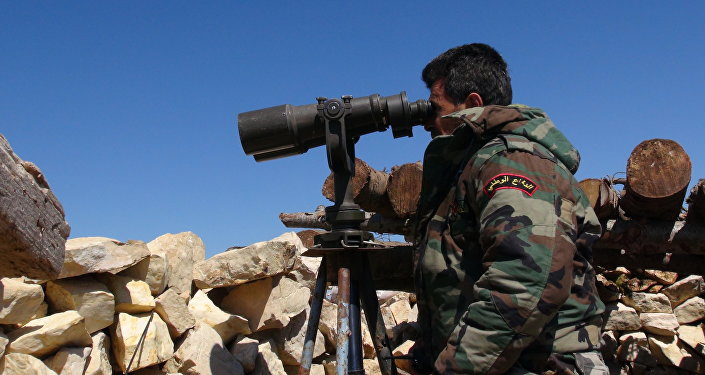 Soldado sírio perto de Latakia
