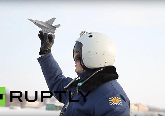 Pilotos russos competem na Aviadarts 2016