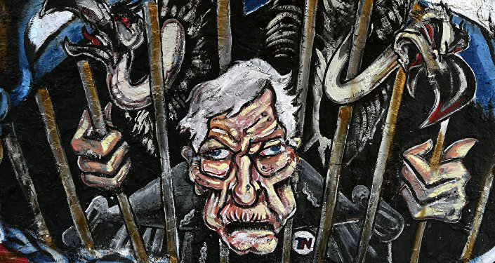 Grafite em muro de Buenos Aires caricaturando o Juiz Thomas Griesa, que julga a questão dos Fundos Abutres em Nova York