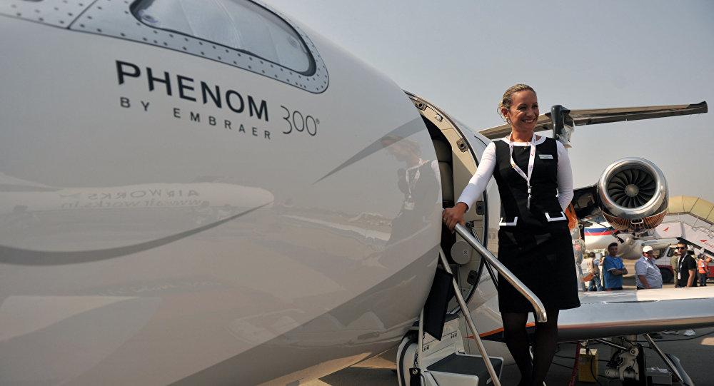O contrato assinado prevê a aquisição de cinco aeronaves para o programa de treinamento dos pilotos britânicos