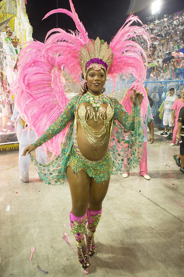 Desfile da Mangueira no Carnaval 2015