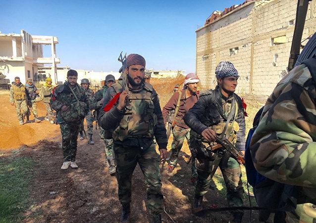 Soldados do Exército sírio na cidade de Osman na província de Daraa, Síria, 4 de fevereiro de 2016