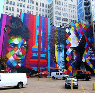 Retrato de Bob Dylan feito pelo artista brasileiro Eduardo Kobra em Minneapolis, estado de Minnesota, EUA