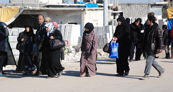 Refugiados no distrito de Afrin, Curdistão sírio, 11 de fevereiro de 2016