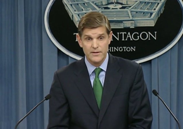 Peter Cook, porta-voz do Departamento de Defesa dos EUA