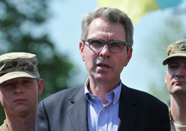 Embaixador dos Estados Unidos na Ucrânia, Geoffrey Pyatt