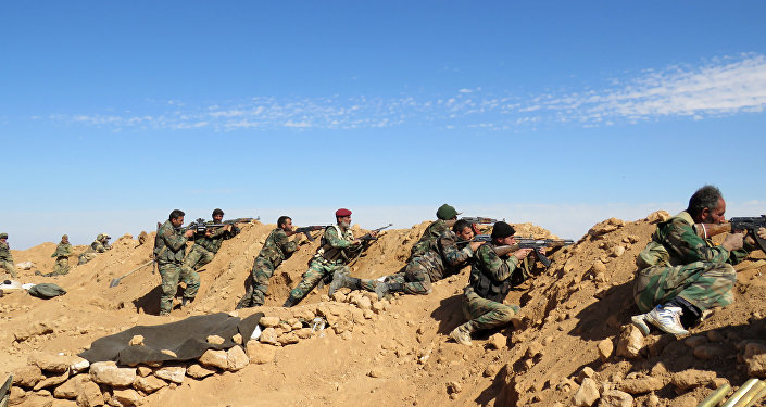 Soldados sírios nos arredores de Raqqa, Síria, 19 de fevereiro de 2016