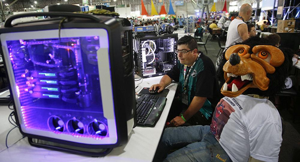 Um participante do Campus Party, um festival de tecnologia, em São Paulo, Brasil. Foto de arquivo. 26 de janeiro, 2016