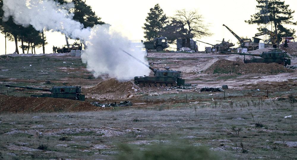 Material blindado turco perto da fronteira síria, 16 de fevereiro, 2016