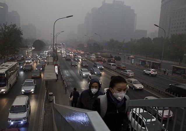 Os índices de poluição em Pequim são dos mais altos do mundo.