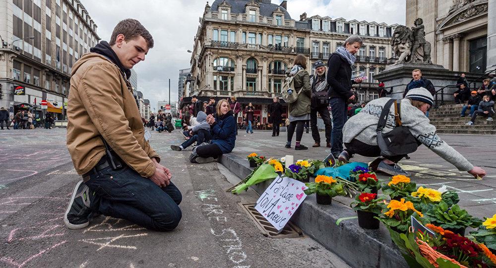 Flores e homenagens às vítimas dos atentados em Bruxelas