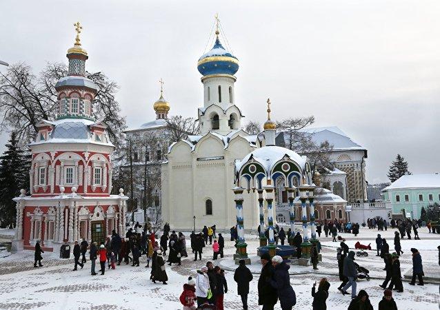 Mosteiro da Trindade-São Sérgio, região de Moscou, Rússia, janeiro de 2016