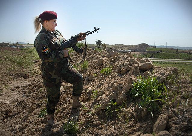 Hesibe Azade, comandante do batalhao de mulheres peshmerga, Curdistão iraquiano