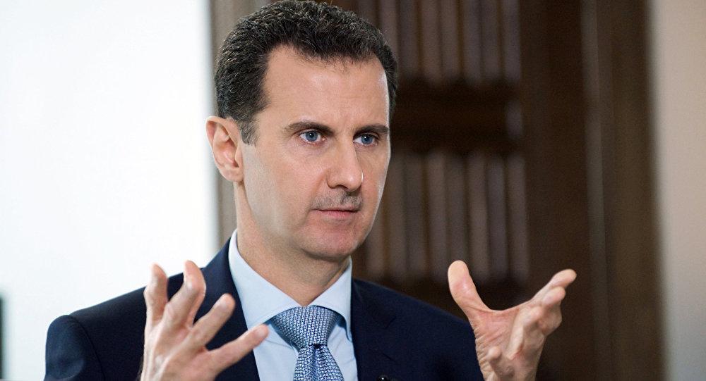 O presidente da Síria, Bashar Assad, durante entrevista ao diretor da agência internacional de notícias Rossiya Segodnya, Dmitry Kiselev, em 30 de março de 2016