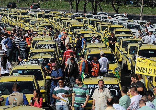 Protesto de taxistas contra o Uber no Rio de Janeiro