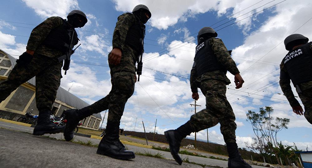 Agentes da polícia hondurenha