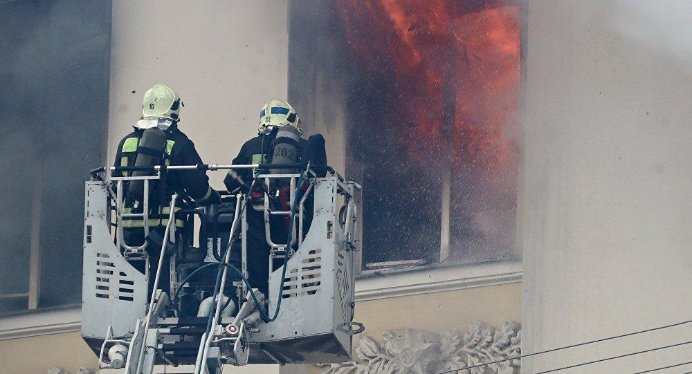 Fogo no edifício do Ministério da Defesa de Moscou