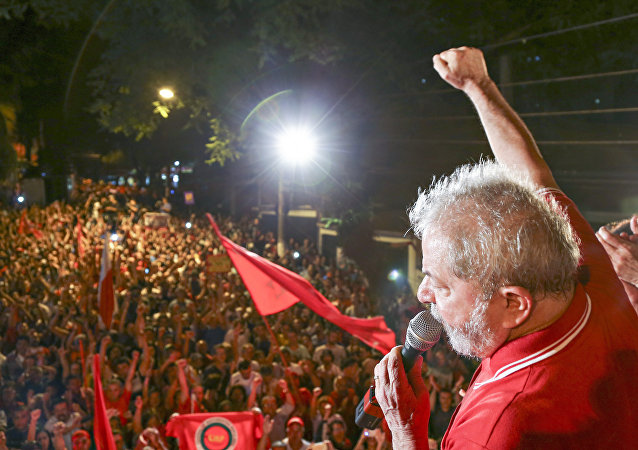 Lula, ex-presidente do Brasil, em ato pela democracia em São Bernardo do Campo (arquivo)
