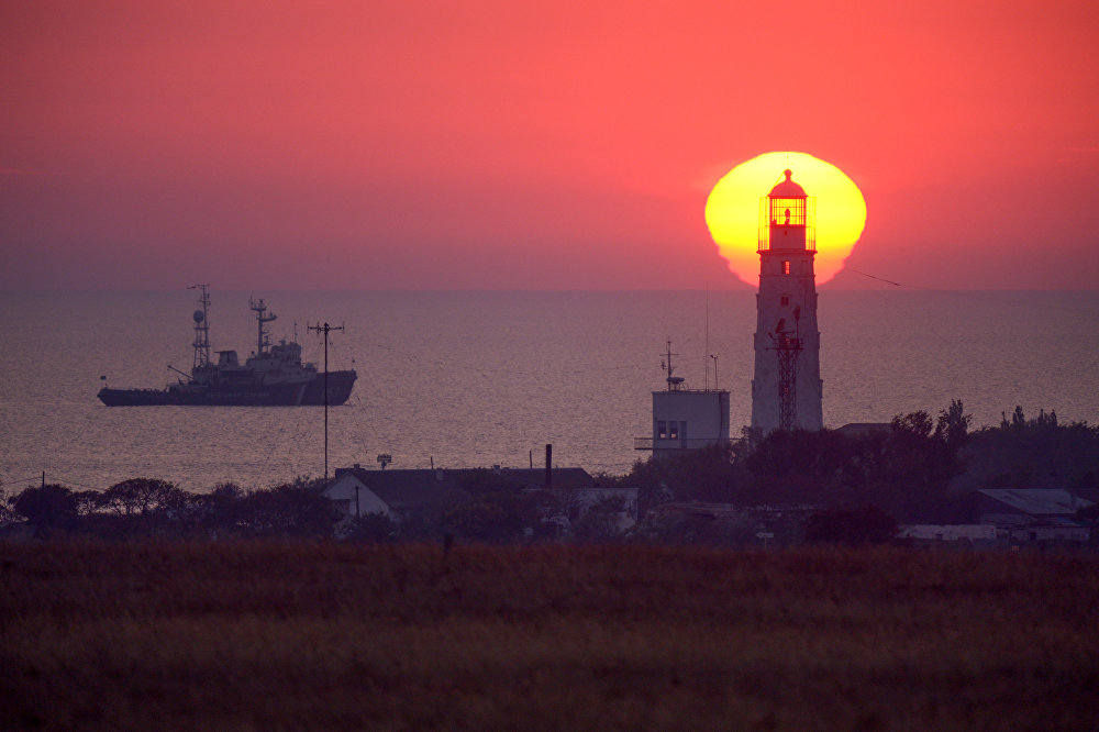 Farol no oeste da península da Crimeia, Rússia