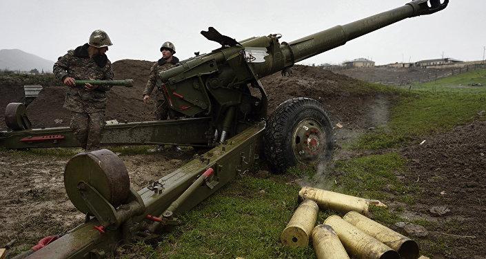 Militares na zona de conflito em Nagorno-Karabakh, 3 de abril de 2016