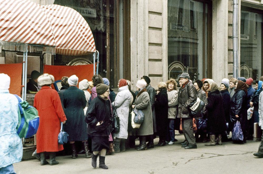 A fila para a comida em Moscou em 1991