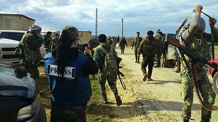 Correspondente de guerra síria Samar Abbas