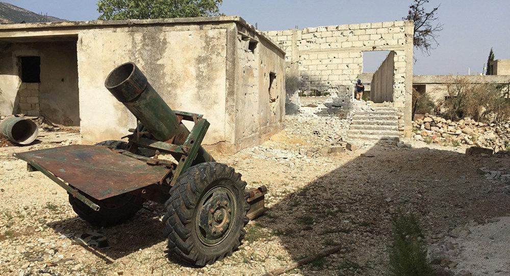 As forças sírias liberou dos militantes uma aldeia na província Hama