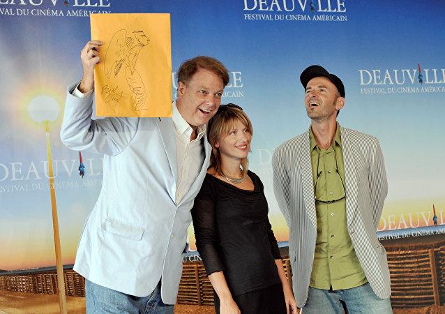 Bill Plympton (esquerda) em campanha de divulgação de Idiots and angels